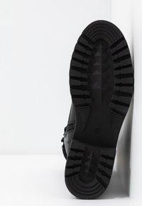 Zign - Kotníkové boty na platformě - black - 6