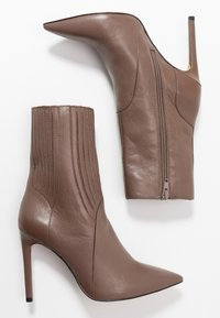 Zign - High heeled ankle boots - taupe - 3