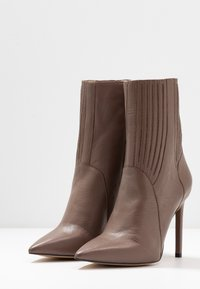 Zign - High heeled ankle boots - taupe - 4