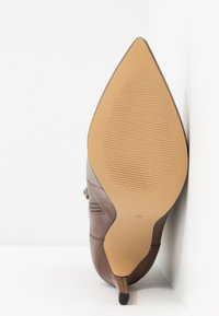Zign - High heeled ankle boots - taupe - 6