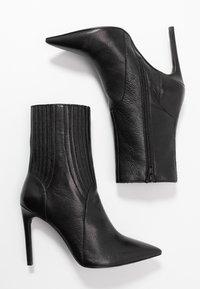 Zign - Kotníková obuv na vysokém podpatku - black - 3
