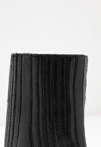 Zign - Kotníková obuv na vysokém podpatku - black - 2