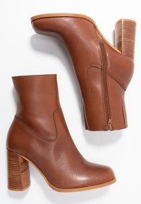 Zign - Classic ankle boots - brown - 3