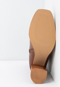 Zign - Classic ankle boots - brown - 6