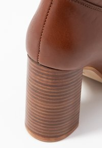 Zign - Classic ankle boots - brown - 2