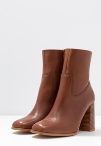 Zign - Classic ankle boots - brown - 4