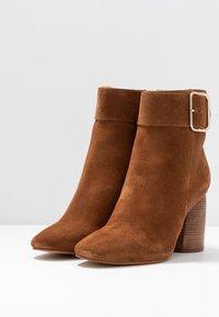 Zign - Classic ankle boots - cognac - 4