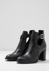 Zign - Kotníková obuv - black - 4