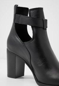 Zign - Kotníková obuv - black - 2