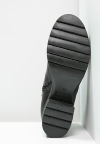 Zign - Kotníková obuv - black - 5