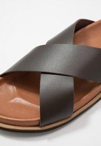 Zign - Pantofle - brown - 5