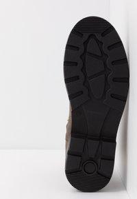 Zign - Korte laarzen - taupe - 4