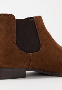 Zign - Kotníkové boty - cognac - 5