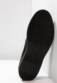 Zign - Zapatos con cordones - black - 4