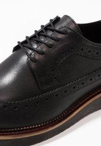 Zign - Zapatos con cordones - black - 5