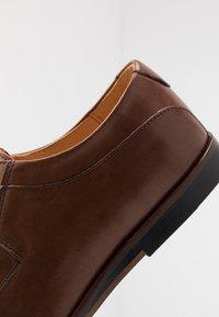 Zign - Smart lace-ups - light brown - 5