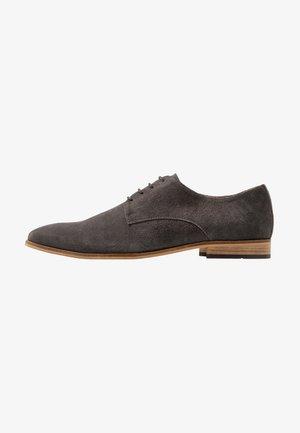 Elegantní šněrovací boty - dark gray