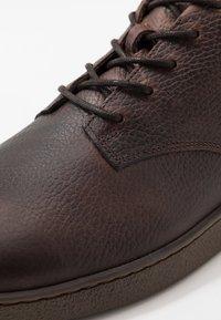 Zign - Šněrovací kotníkové boty - brown - 5