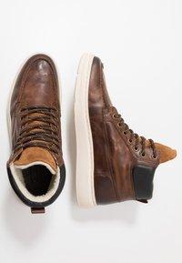 Zign - Sneakersy wysokie - cognac - 1