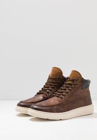 Zign - Sneakersy wysokie - cognac - 2