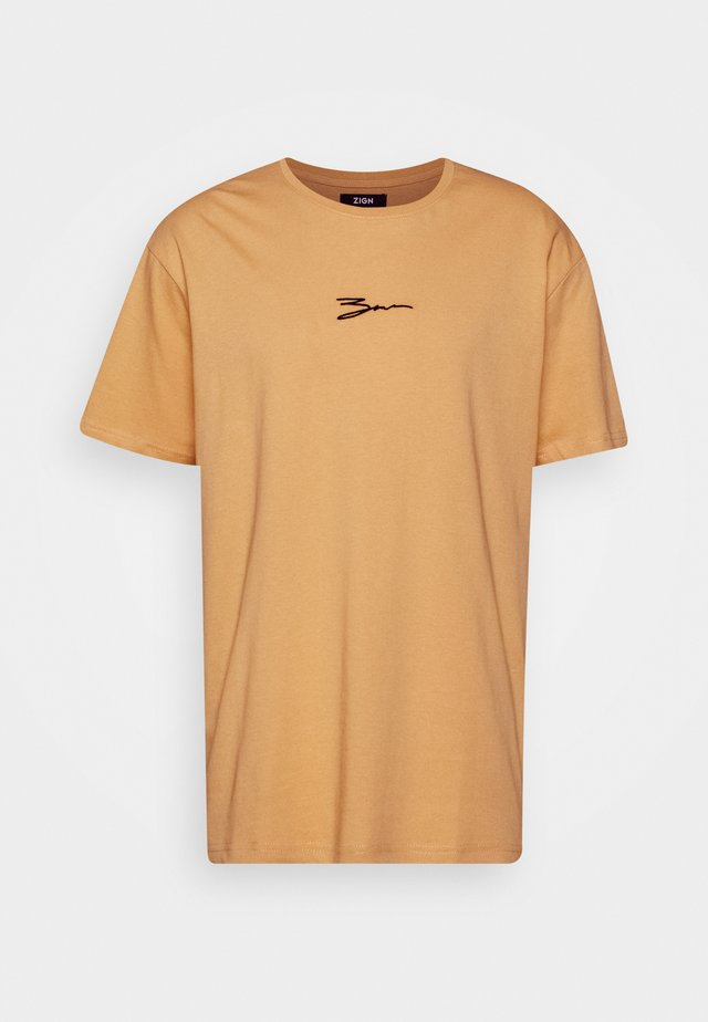 T-shirt print - tan