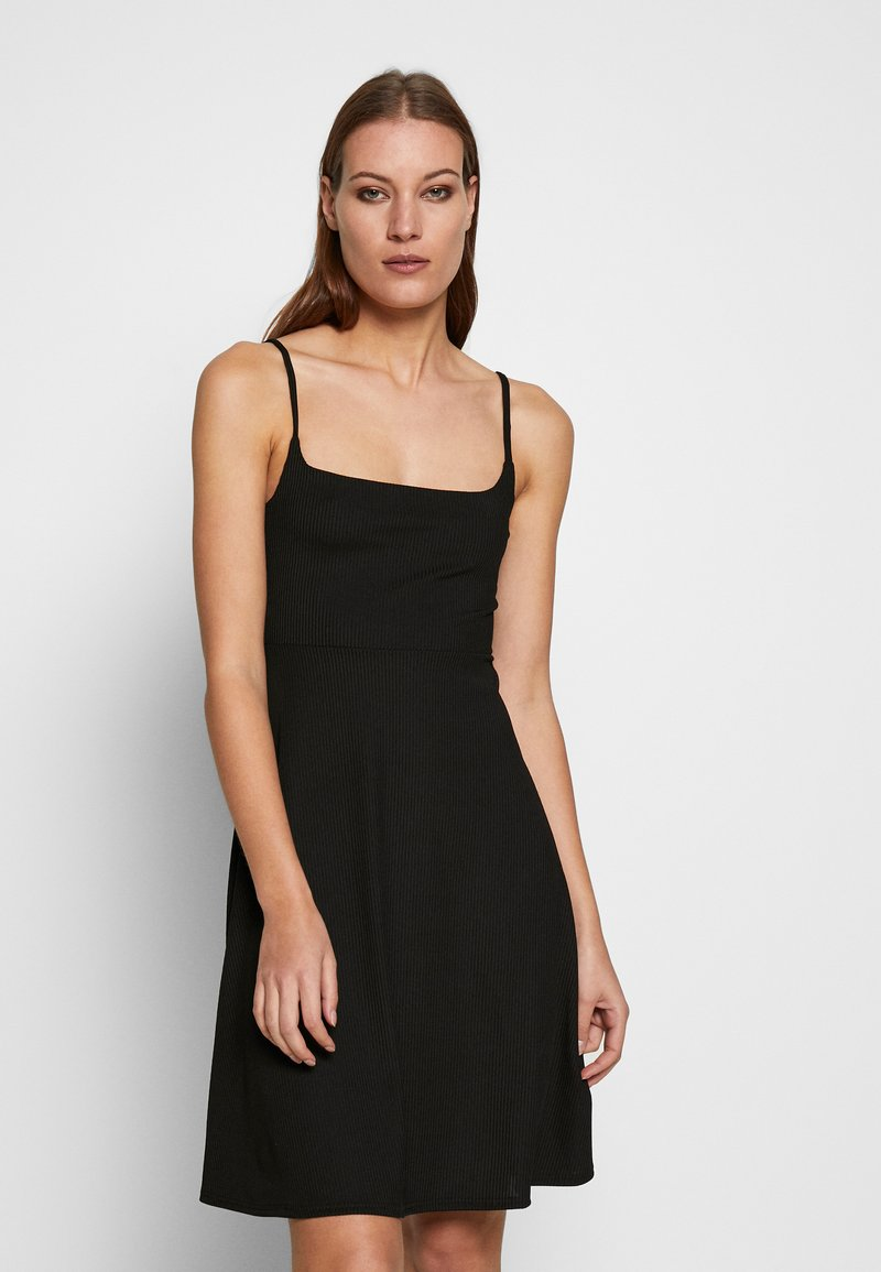 Zign - SPAGHETTI MIDI DRESS - Jerseykjole - black