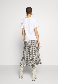 Zign - T-shirt con stampa - white - 2