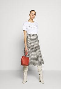Zign - T-shirt con stampa - white - 1