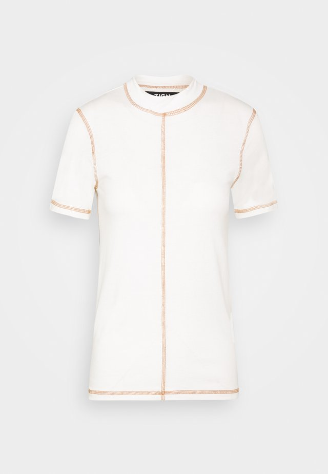 EXPOSED SEAMS - Print T-shirt - cloud dancer