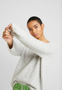 Zign - FLUFFY - Jumper - light grey melange - 3