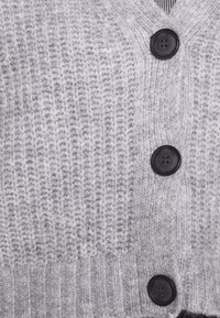 Zign - Cropped chunky cardigan - Cardigan - mottled light grey - 4