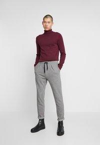 Zign - Trousers - white/black - 1