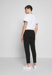 Zign - JOGGER - Teplákové kalhoty - black - 2