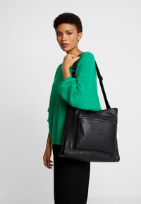 Zign - LEATHER - Bolso shopping - black - 1