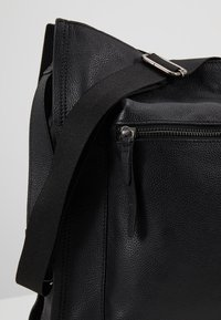 Zign - LEATHER - Bolso shopping - black - 6