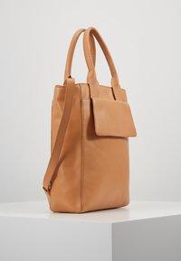 Zign - LEATHER - Handtasche - natural - 3