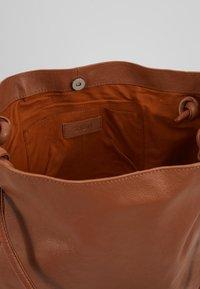 Zign - LEATHER - Handbag - cognac - 4