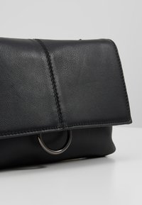Zign - LEATHER - Sac bandoulière - black - 6