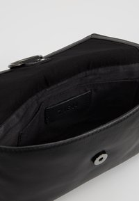 Zign - LEATHER - Sac bandoulière - black - 4