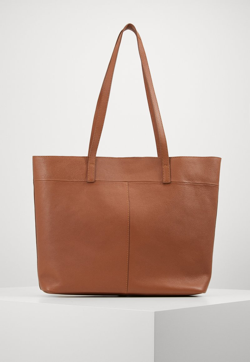 Zign - LEATHER - SHOPPING BAG / POUCH SET - Shopping bag - cognac