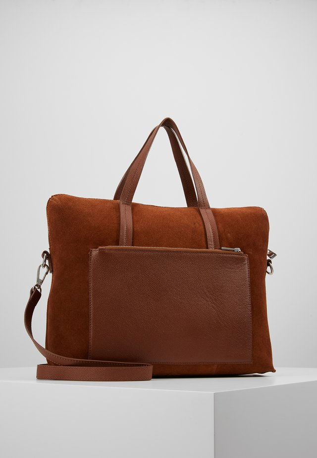 LEATHER - Attachetasker - cognac