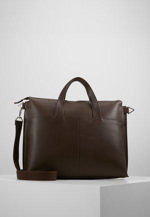 LEATHER - Taška na laptop - ark brown