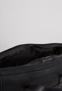 Zign - UNISEX LEATHER - Weekend bag - black - 5