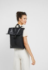 Zign - UNISEX LEATHER - Ryggsekk - black - 5