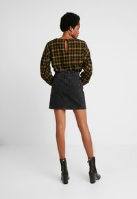 ZIGGY Denim - CINCH IT SKIRT - Falda vaquera - black moon - 2