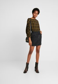 ZIGGY Denim - CINCH IT SKIRT - Falda vaquera - black moon - 1