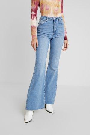 SKYSCRAPER - Široké džíny - light grainy blues