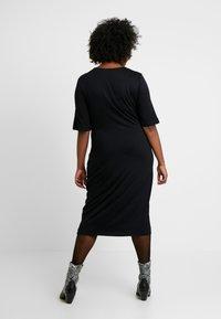 Zign Curvy - Žerzejové šaty - black - 2
