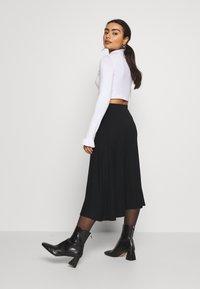 Zign Petite - Áčková sukně - black - 2
