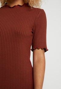 Zign Petite - Stickad klänning - dark red - 5